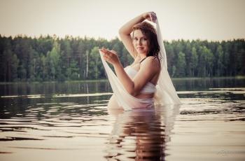 Nėščioji vandenyje